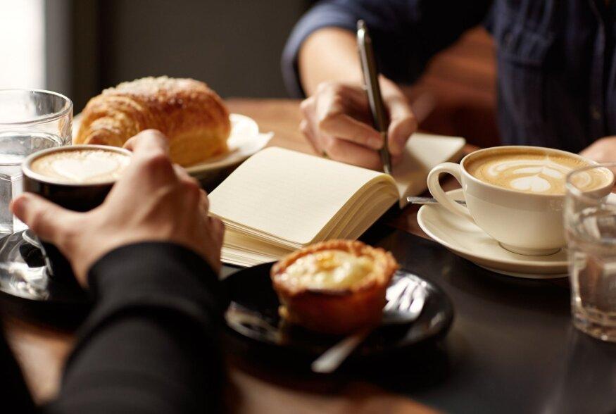 TOIDUTEADUS | Õiged suupisted panevad koosolekul aju tööle. Aga millised?