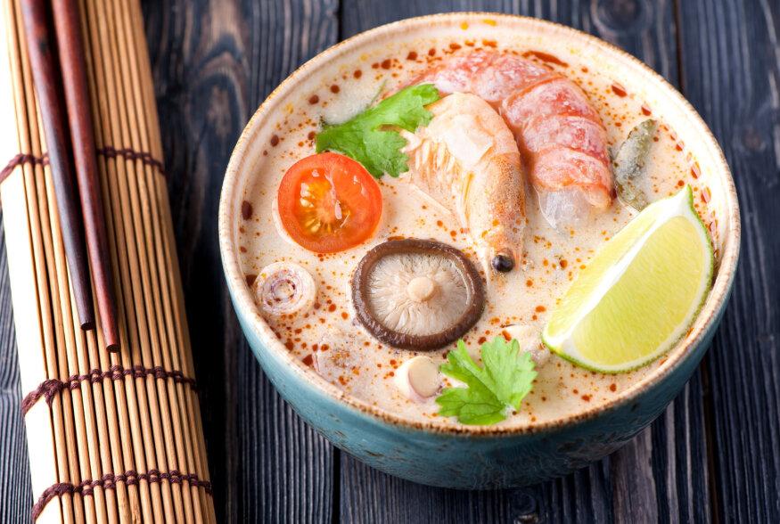 NÄDALAVAHETUSE RETSEPTISOOVITUS: Tom Kha Goong ehk teravalt soojaandev ja kosutavalt kreemine Tai krevetisupp