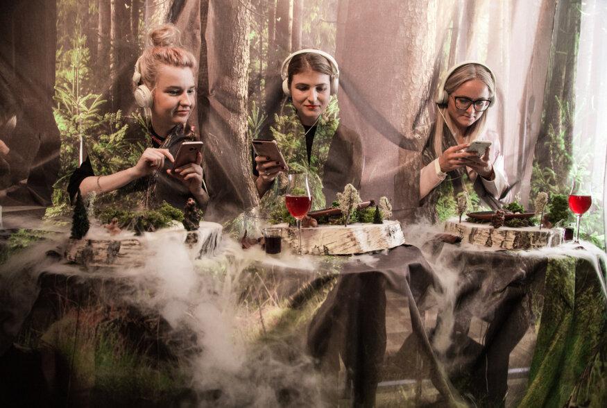 FOTOD: Lätlased pakkusid õhtusöögil Riia-Koiva piirkonna hõrgutistena kopraliha, õllemoosi ja meekooki