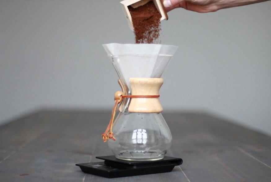 """KOHVIKOOL: Mis asi on """"kohvikannude"""" Rolls-Royce'ks kutsutav Chemex ja kuidas sellega aromaatset kohvi valmistada?"""