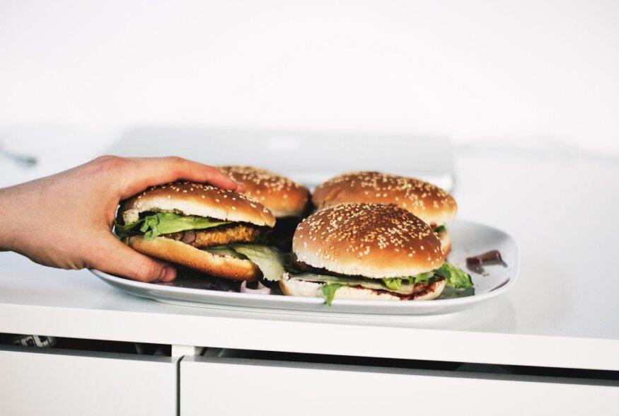 TEADUSLIK LÄHENEMINE   Kuidas anda teistele edukalt toitumisalast nõu?