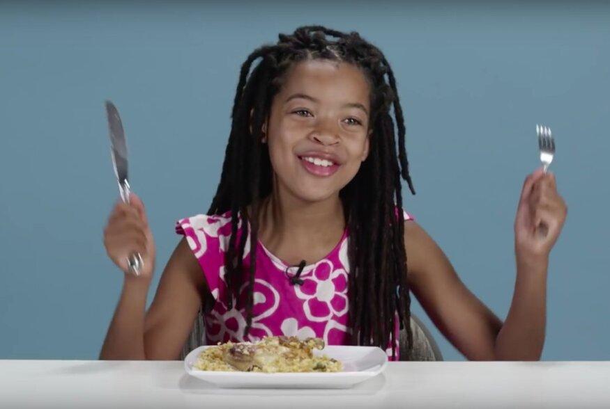 Lapsesuu ei valeta: Väikesed inimesed proovivad maailma eri riikide traditsioonilisi õhtusööke