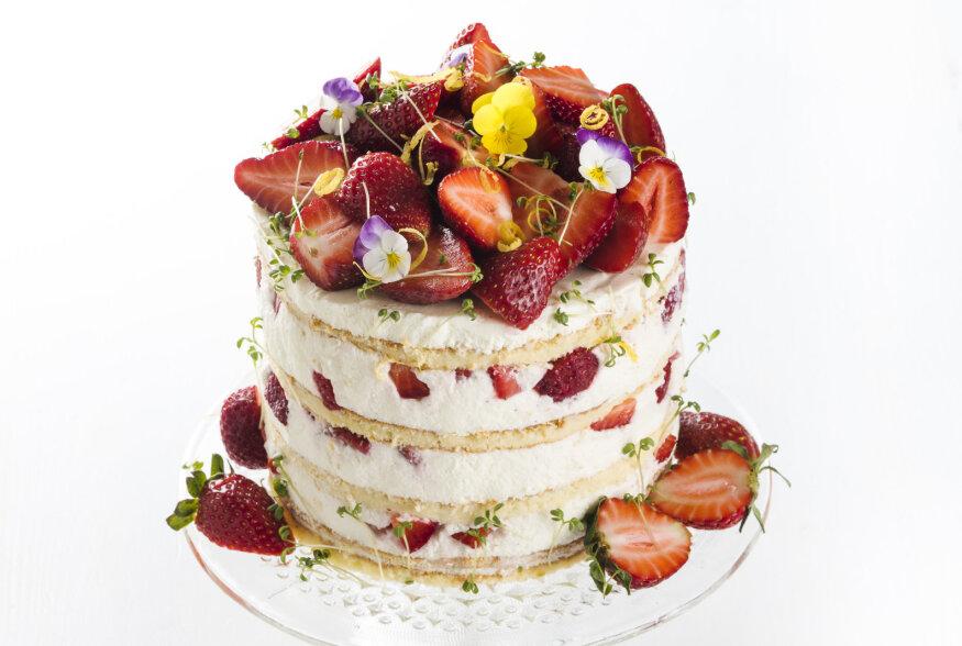 Tõeline pilgupüüdja! Valmista jaanipäeva peolauale imemaitsev maasikatort