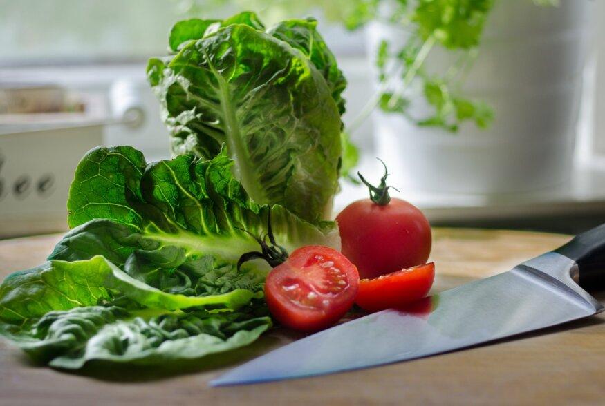 USKUMATU! Kas salatilehti katab tõepoolest plastikkile?