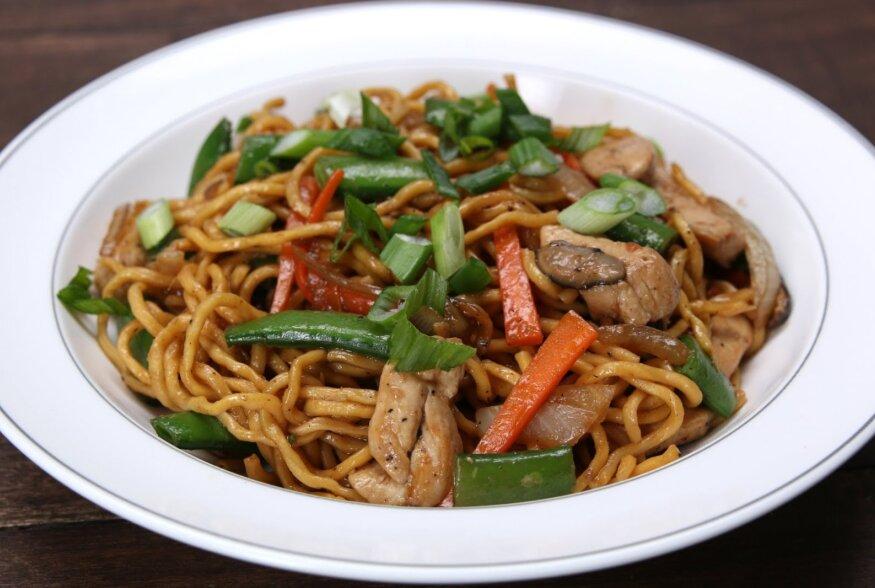 KIIRE ÕHTUSÖÖGI SOOVITUS: Kana  Lo Mein  ehk Hiinapärane kodune kana nuudliroog
