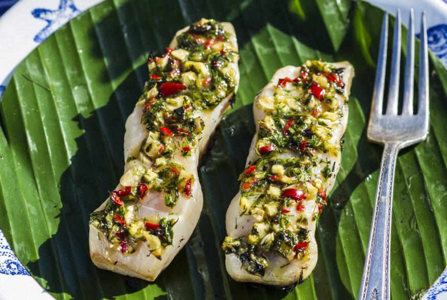 Särisevat jaani! | Banaanilehel grillitud aasiapärane kalafilee