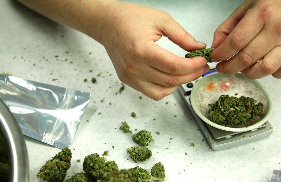Hinda eelmist pilti - Page 2 Kanep-marihhuana-marijuana-71290561