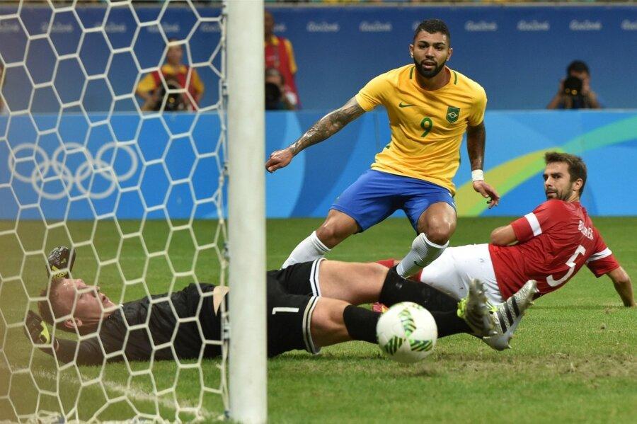 ОЛИМПИАДА-2016: Бразильцы разгромили датчан ивышли вчетвертьфинал футбольного турнира Олимпиады