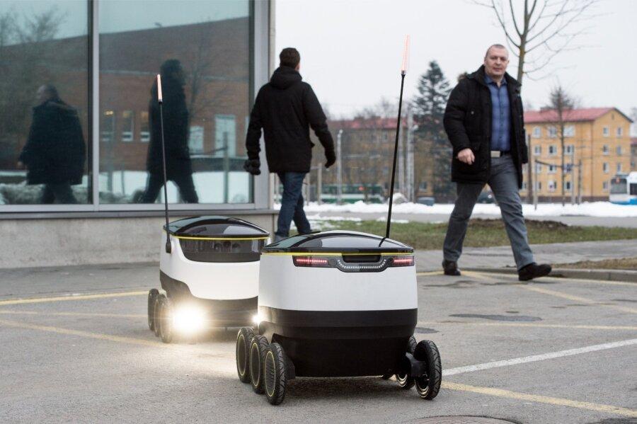Нетрезвый  эстонец избил робота-почтальона