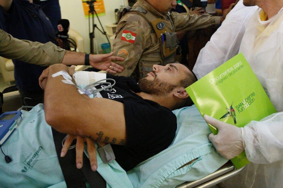 Выживший вавиакатастрофе игрок бразильской «Шапикоэнсе» встретился сосвоим спасителем