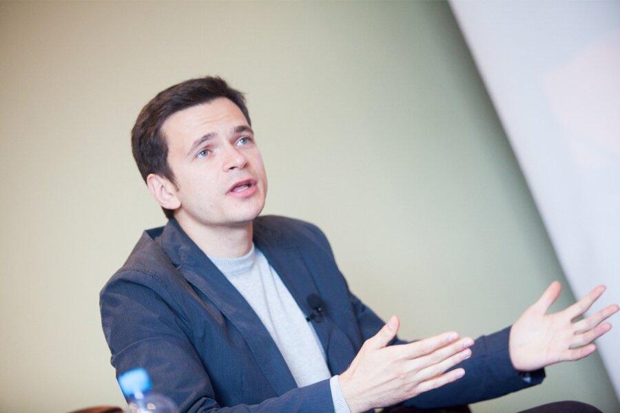 Городской депутат Яшин подал всуд наСобянина