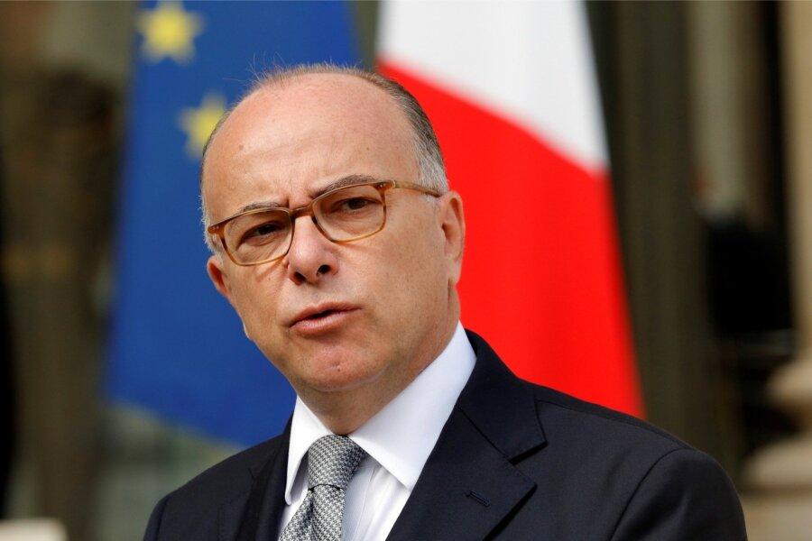 Премьер-министром Франции стал Бернар Казнев