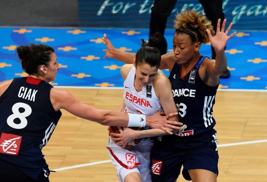 Испанские баскетболистки победили начемпионате Европы, вфинале обыграв француженок