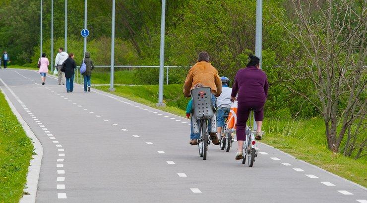 фото движение на велосипеде запрещено