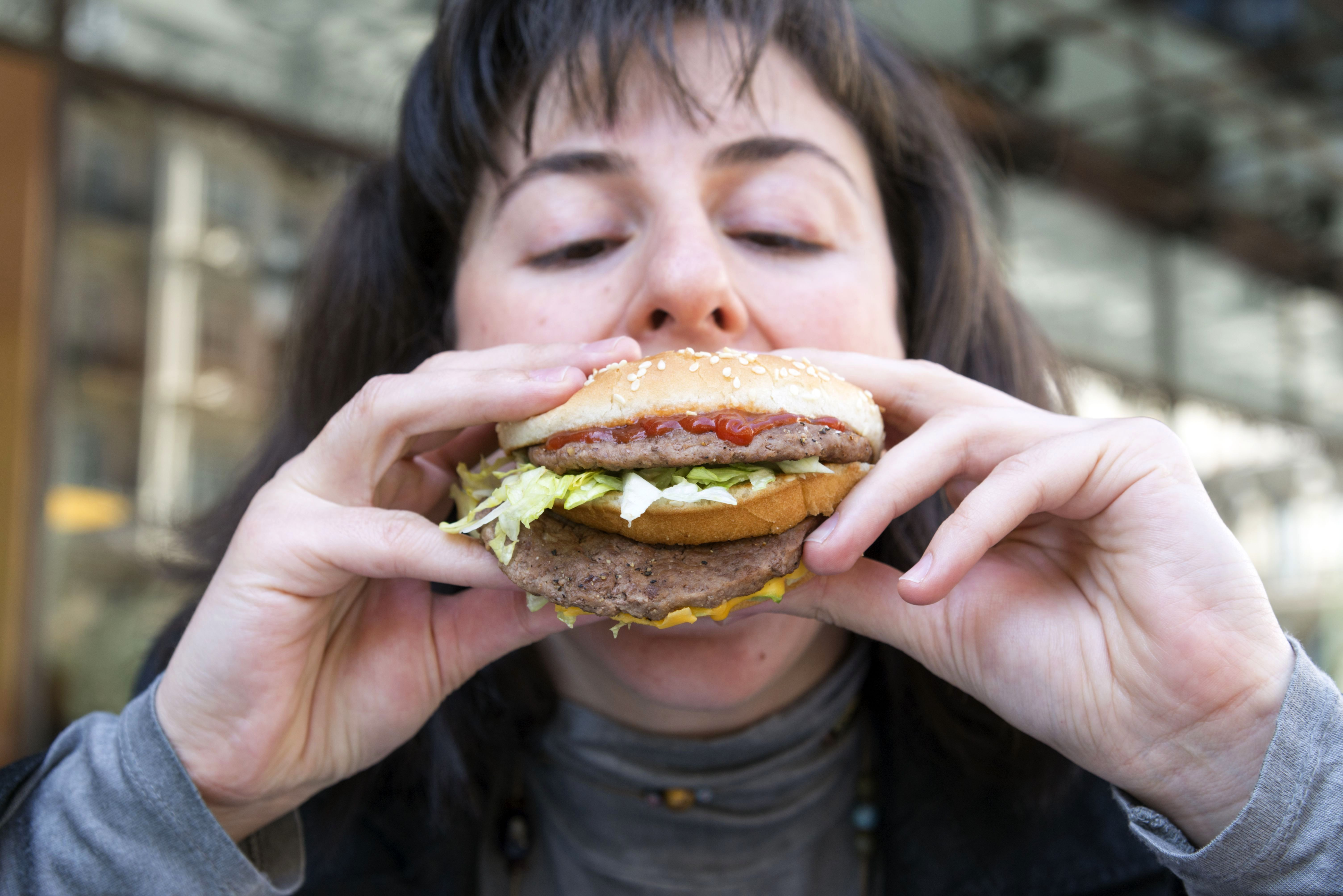 Päevas süüakse ära miljoneid McDonald'si burgereid. Allikas: Vidapress