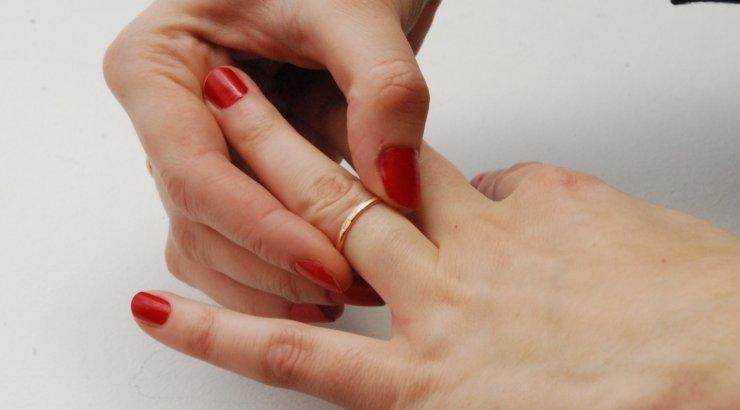 она Фиктивный брак в латвии санкции допустим